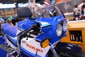 108_Suzuki_GSX-R750_Build