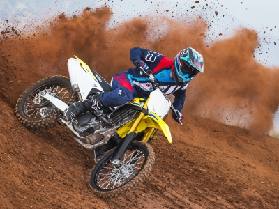 Suzuki celebrates title win by saving customers £1200 across motocross range