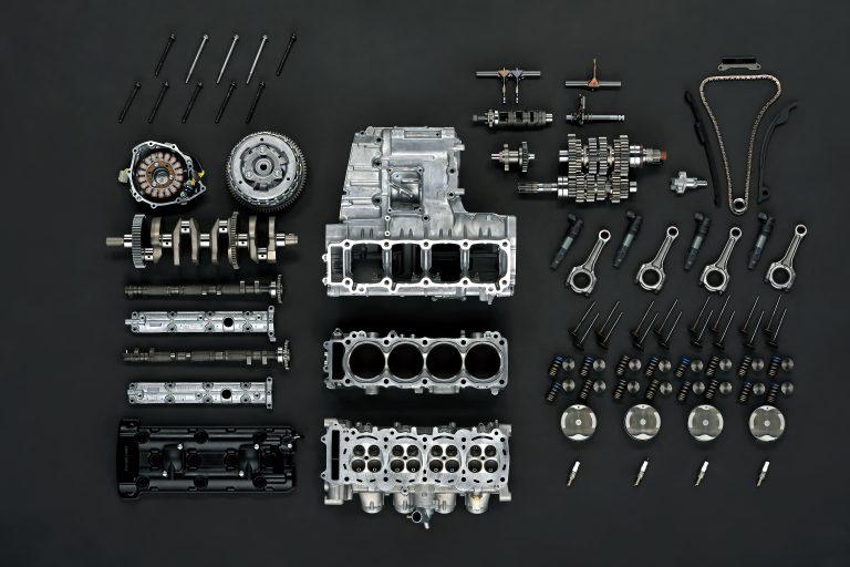 GSX1300RRQM2_disassembled_parts_4
